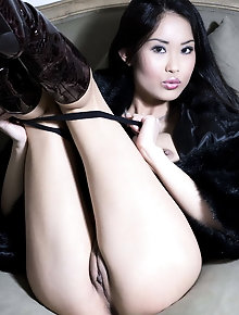 Yam-sized boobed asian Davon Kim softcore 8