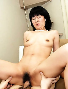 Superb oriental babe shows her tricks